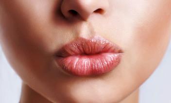 Акварельная техника татуажа губ
