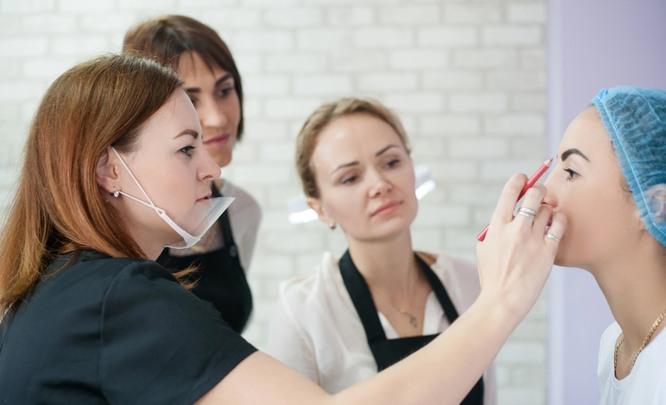 Новые тенденции в развитии перманентного макияжа