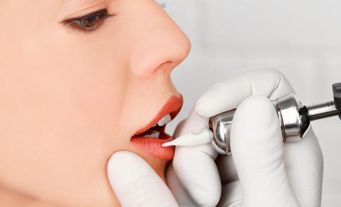 Татуаж: акварельные губы