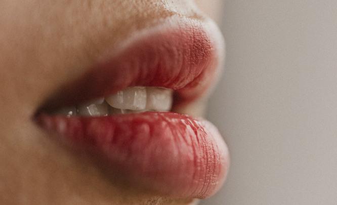 Татуаж: выразительный контур губ